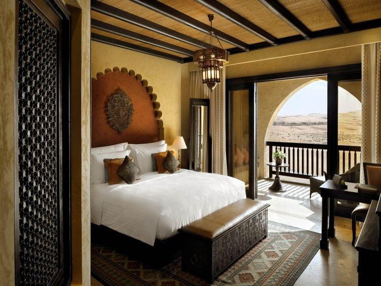 Восточный декор спальни