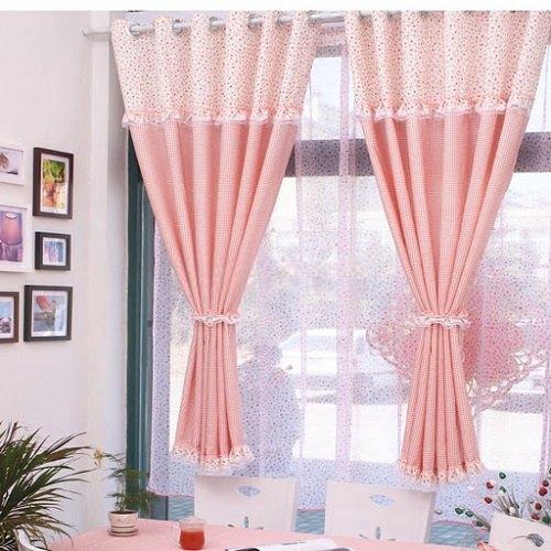 Маленькие оконные шторы
